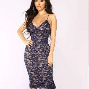 Fashion nova Dress. Color-Nave